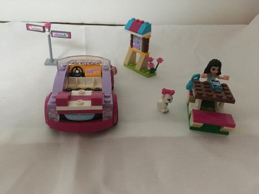 Lego friends Auto mit Picknicktisch und Wegweiser, sehr gut erhalten