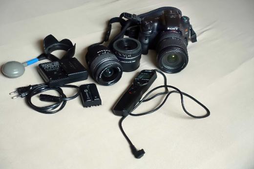 Sony Alpha SLT-A65VK 24.3MP Digitalkamera  gebraucht mit vielem Zubehör zu verkaufen