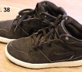 Nike Priority Gr. 38, Mid Cut - Bremen