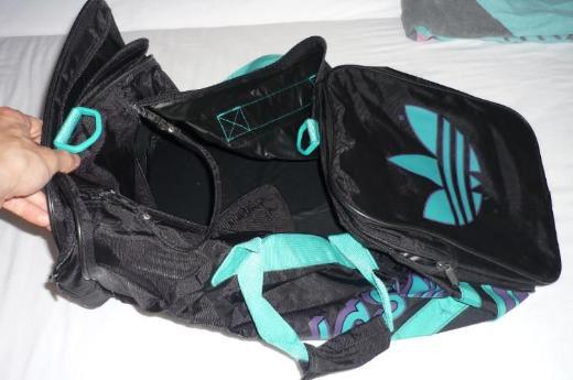 Verschiedene Sporttaschen (ADIDAS, etc,)