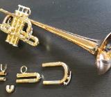 D/Eb (Es) - Trompete Goldmessing, long Bell, gebraucht - Bremen Mitte