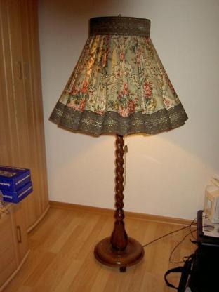 Sehr alte Stehlampe - Oldenburg (Oldenburg)