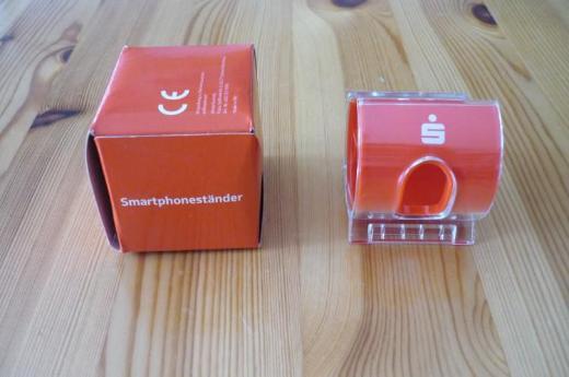 Sparkasse (Weltspartag): Smartphoneständer