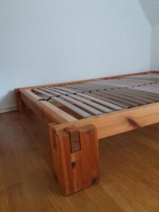 Metallfreies Vollholz-Bett 140x200 cm