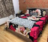 Ein Queen-Size-Bett mit Matratze - Bremerhaven