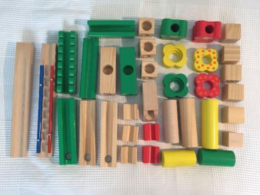 Kugelbahn aus Holz, sehr gut erhalten
