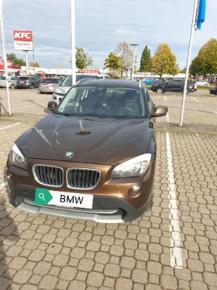 BMW X1 sDrive 18i Panoramadach Niederquerschnittsreifen