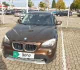 BMW X1 sDrive 18i Panoramadach Niederquerschnittsreifen - Bremen Obervieland