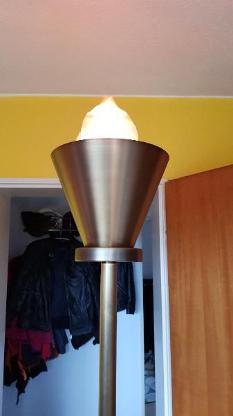 Stehlampe mit Feuereffekt - Bremen