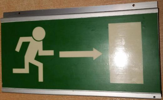 Fluchtweg Kunstoff Schilder nach rechts+links inkl. Halterung - Verden (Aller)