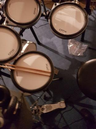 Yamaha DTX760 E-Drum Set