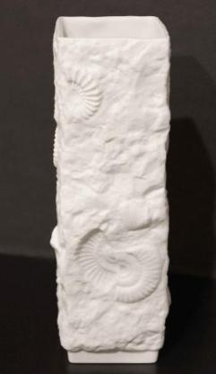 Vintage Porzallanvase mit Fossilien-Relief, weiß, ca. 70er Jahre, Kaiser Porzellan