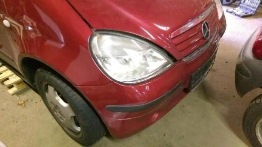 Mercedes A Klasse rotmetallic Schlachfest Motorhaube