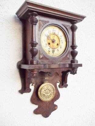 Alte- Uhr,- Aschenbecher.