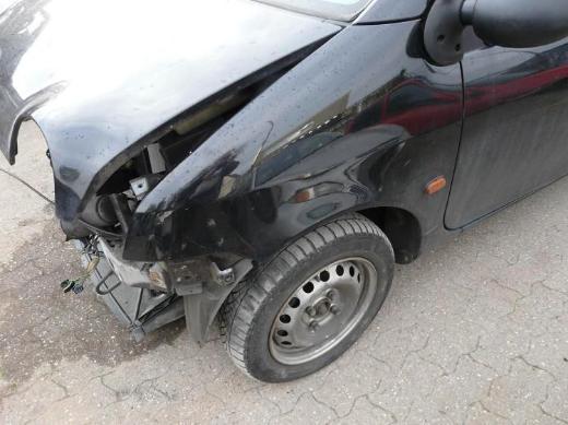 Renault Twingo 1,2 Schlachtfest Motorhaube