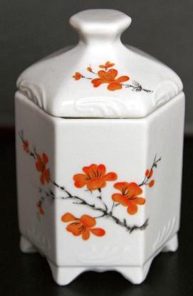 Porzellandose, sechseckig, mit Deckel, orangefarbenes Blumenmotiv