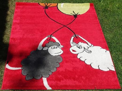 Teppich mit Schafmotiv für Kinderzimmer
