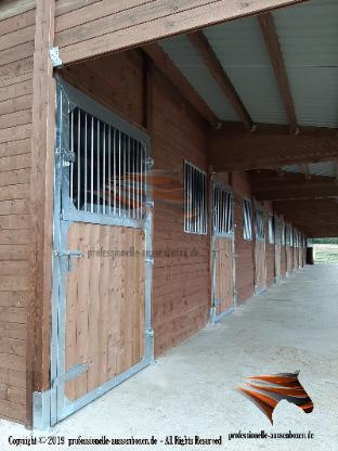 Außenboxen für Pferde, Pferdeställe, Pferdeboxen, Weidehütte, Unterstand, Weideunterstand