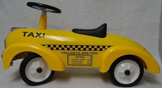 "Rutschauto / Laufauto Modell ""Taxi"" aus Metall von Magni (""Bobby Car"")"