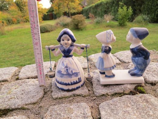 2 Porzellan-Figuren im Delfter Stil