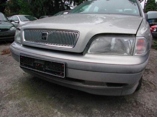 Volvo S40 Schlachtfest Benzin silber Stoßstange vorne