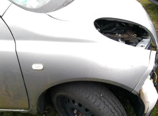 Nissan Micra K12 Schlachtfest alle Teile Tür rechts silber