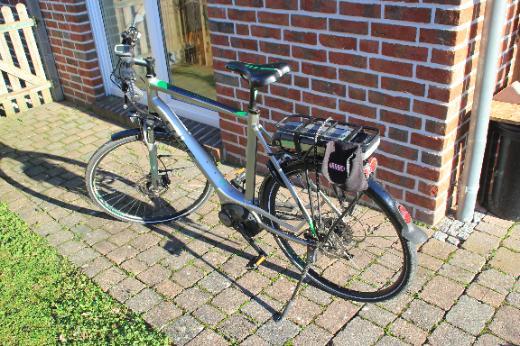 Cube Herren e-bike Pedelec 62 cm RH Bosch Antrieb