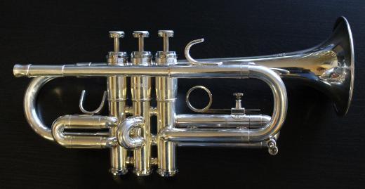 GETZEN D/Es(Eb) - Trompete, U.S.A., versilbert inkl. Koffer und Papiere