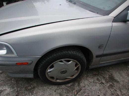 0 Volvo S40 Schlachtfest Benzin silber Scheinwerfer links oder rechts