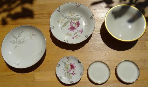 diverse Porzellanschalen und -tellerchen / Einzelteile
