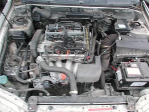 Volvo S40 V40 Schlachtfest Benzin silber Motor / Getriebe VB