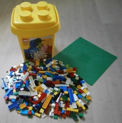 LEGO Bricks & More 10662 - Bausteine-Eimer mit Grundplatte 25x25