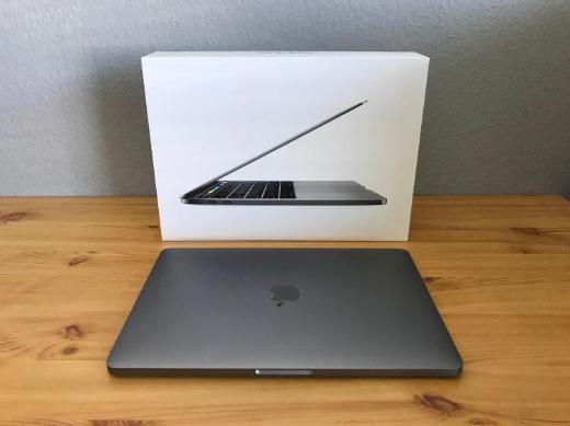 "Apple MacBook Pro 13.3"" Retina Touch Bar"